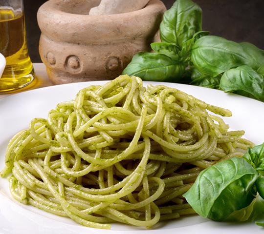 Ricetta light - Spaghetti con crema al basilico